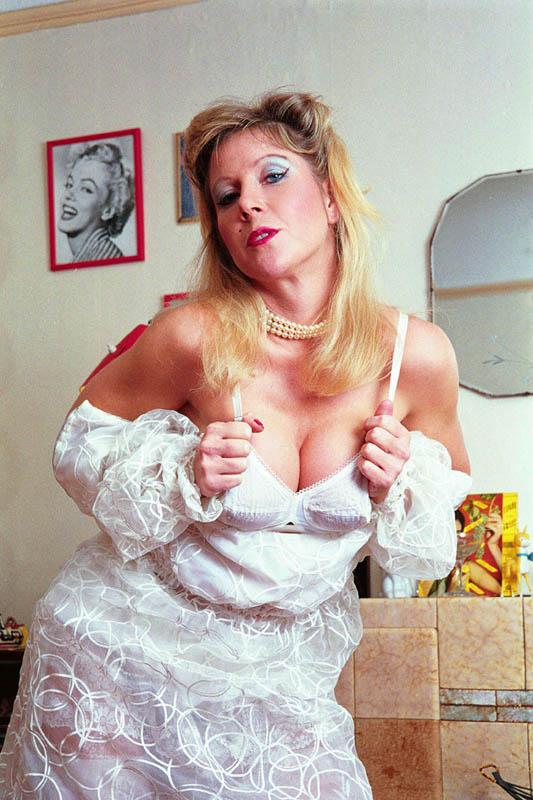 British milf showing off her boobs